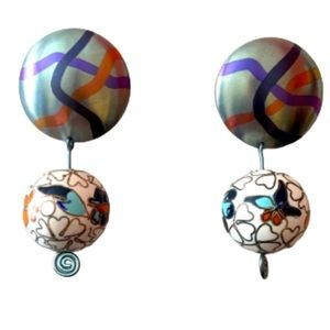 Beautiful silver earrings w/Chinese beads handmade